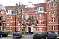 3 bed Flat in Lauderdale Mansions...
