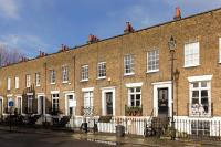 3 bedroom property in Walcot Square...