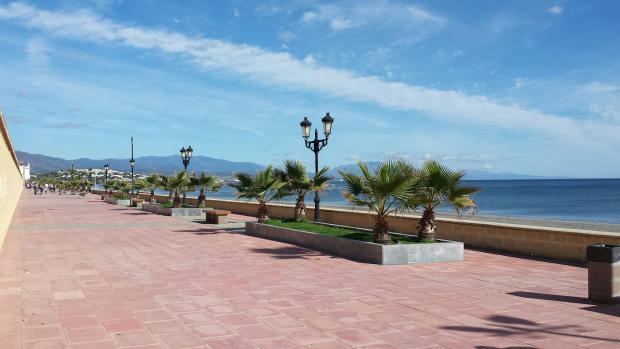 Sabinillas Promenade