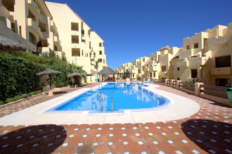 2 bed Apartment for sale in Duquesa, Málaga...