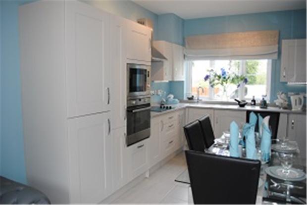 Kitchen cropped