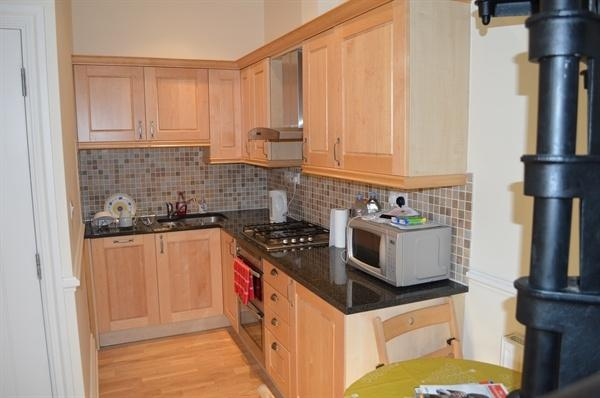 2 Bedroom Apartment For Sale In Convent Court Hatch Lane Windsor Berkshire Sl4
