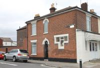 Ground Flat to rent in Chichester Road...