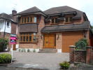 6 bed Detached home to rent in Brook Way, Chigwell, IG7