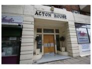 Flat in Acton