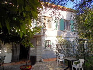 4 bedroom Detached home in Uzès, Gard...