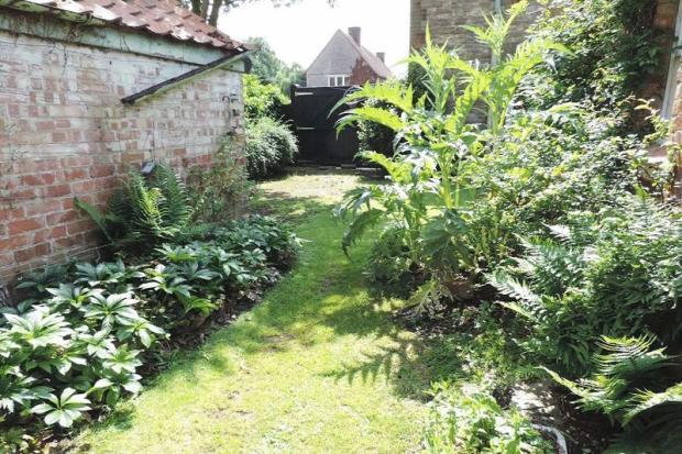 Garden & G...