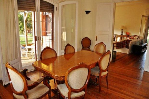 Dinning room to Gard