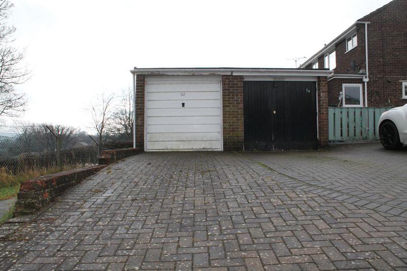 Garage & P...