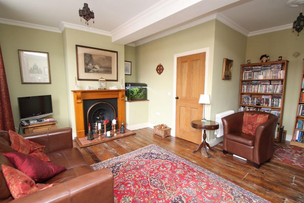 lounge4.jpg