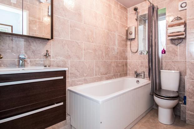 2 Bedroom Flat For Sale In Springwood Hall Oldham Road Ashton Under Lyne Greater Manchester Ol7