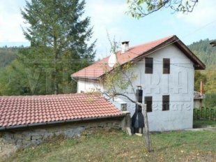3 bed house for sale in Gabrovo, Dryanovo