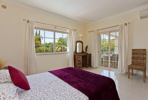 4 Bedroom Carvoeiro Bedroom