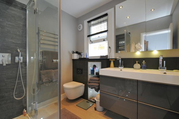 Shower Room  HR