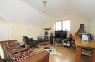 Flat to rent in Thurlow Park Road London...