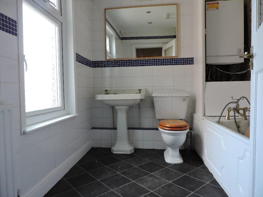 3 bedroom terraced house to rent in brougham terrace for Best bathrooms hartlepool