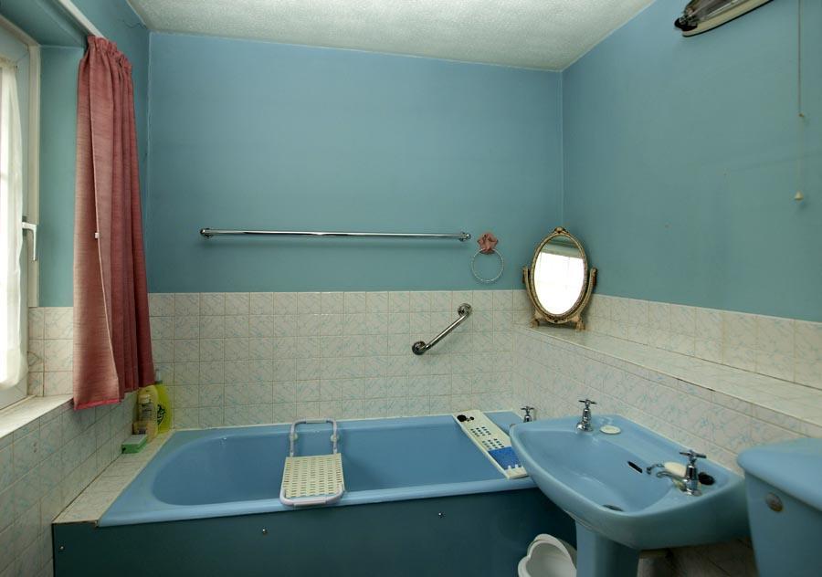 photo of turquoise bathroom ensuite ensuite bathroom
