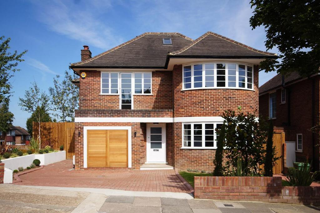 5 bedroom detached house for sale in heathcroft ealing w5 for New 5 bedroom houses for sale