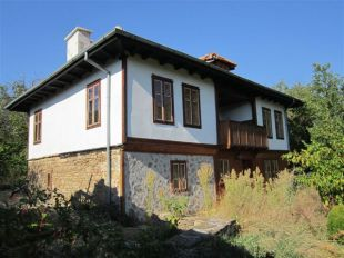 3 bed Village House in Gabrovo, Gostilitsa