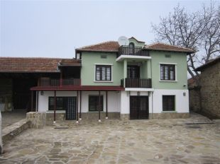 Village House in Veliko Tarnovo, Resen