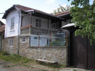 3 bedroom Village House for sale in Gabrovo, Dryanovo