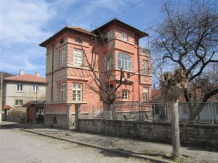 3 bed Village House for sale in Gabrovo, Tsareva Livada