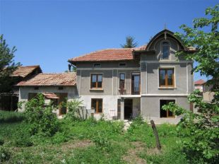 3 bedroom Village House for sale in Gabrovo, Dobromirka