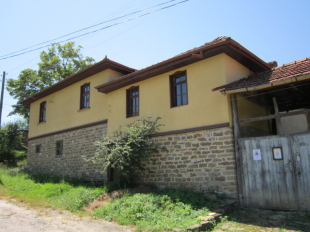 Village House for sale in Gabrovo, Sokolovo