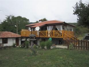 2 bedroom Village House in Zlataritsa...