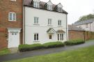 Ground Flat to rent in Luker Drive, Petersfield...