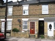2 bedroom Terraced house to rent in Charles Street, ENFIELD