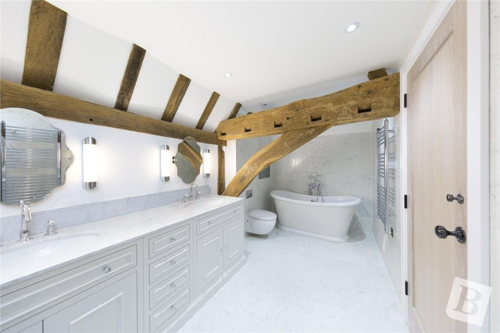 Old Lodge Court,Bathroom