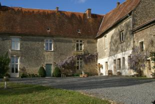 8 bed Detached property for sale in Fontenay-le-Comte...
