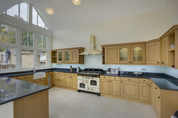 Kitchen/Dining Room (Kitchen Area)