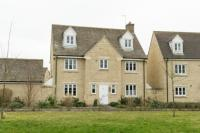 5 bedroom Detached home in Cherry Tree Way, Witney...