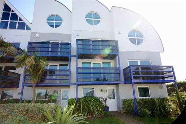 4 bedroom terraced house to rent in banks road poole dorset bh13. Black Bedroom Furniture Sets. Home Design Ideas