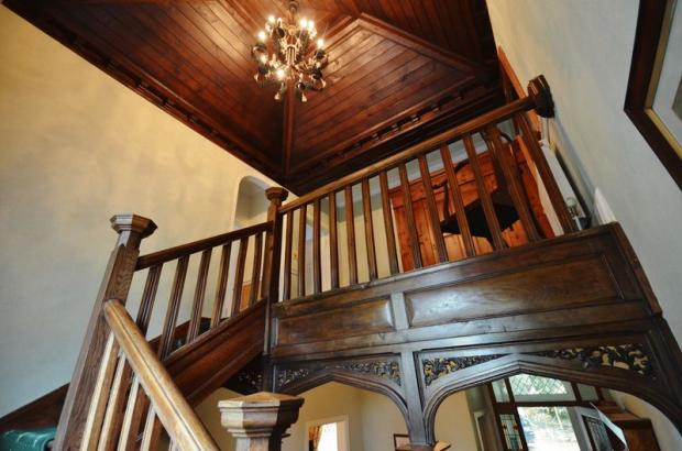 Feature Stairs...