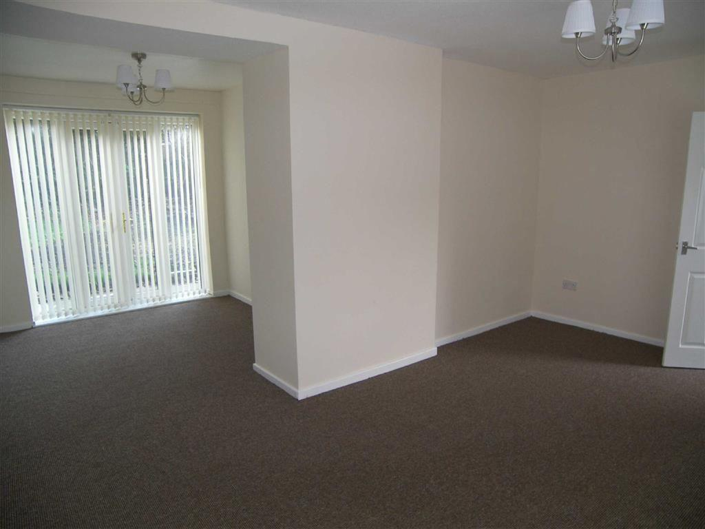 3 bedroom semi-detached house to rent in derwent road, middleton, m24