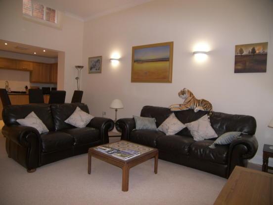 1 bedroom apartment to rent in queens manor clifton drive for One bedroom apartment in queens