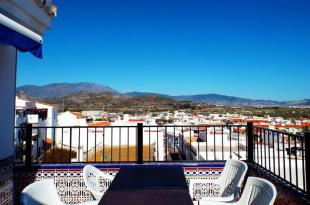3 bed Apartment for sale in Salobreña, Granada...