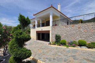 Villa for sale in Nafplio, Argolis...
