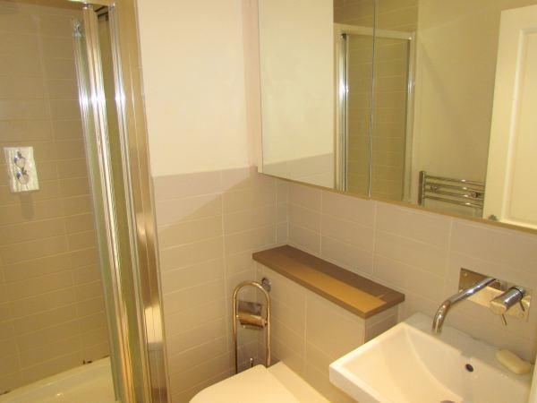 1 Bedroom Flat To Rent In Bloomsbury Place Brighton Bn2 Bn2