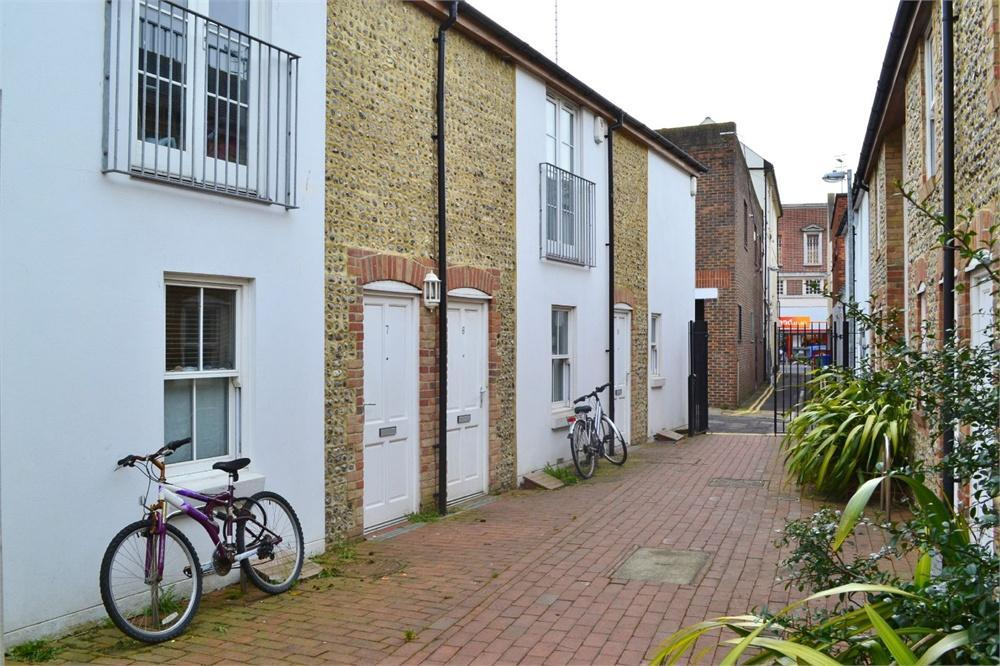 2 Bedroom Cottage To Rent In Brunswick Row Brighton East Sussex Bn1