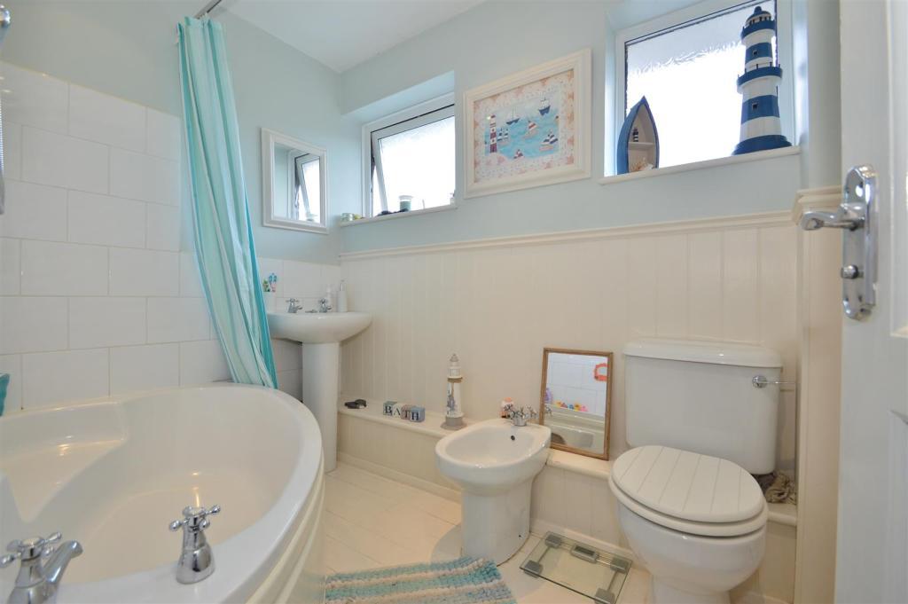 # Family Bathroom.JP