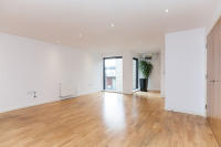 Flat to rent in The Hub, Bell Yard Mews...