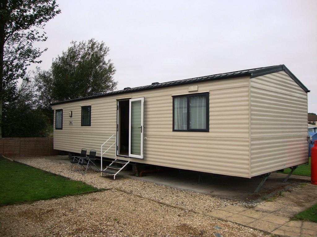 2 bedroom mobile home for sale in bridgwater road bleadon bs24. Black Bedroom Furniture Sets. Home Design Ideas