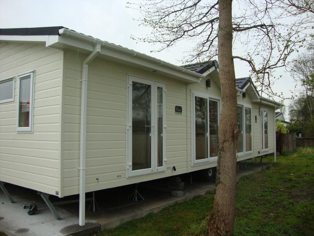 2 Bedroom Mobile Home For Sale In Summer Lane Park Homes Banwell Bs29