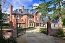 7 bed Detached property to rent in Heathfield Avenue Ascot...