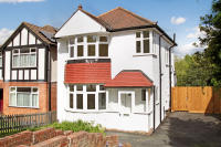 3 bed Detached property for sale in Southwood Drive, Surbiton