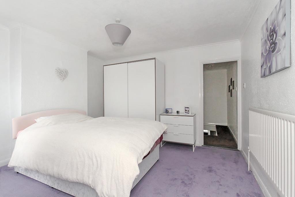 Uni-Bed-One_2.jpg